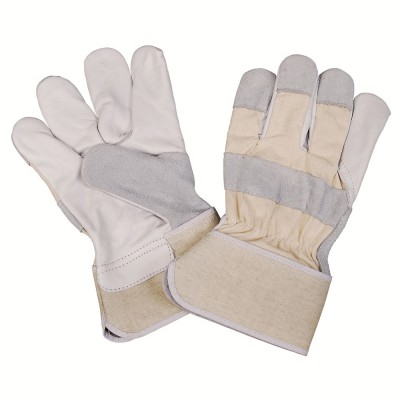 C251, Canadian Leather Gloves for mallcom Hand protection. It is Work gloves