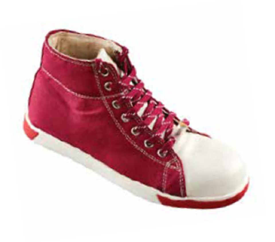 RAGDOLL, Cemented Sole Shoes for mallcom Feet protection. It is Ladies safety shoe
